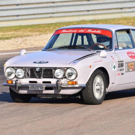 """Autodromo di Modena, """"Drive Experience Track Day"""" di Davide Cironi. Gian Luigi Picchi su Alfa Romeo GTV 2000 ex Autodelta"""