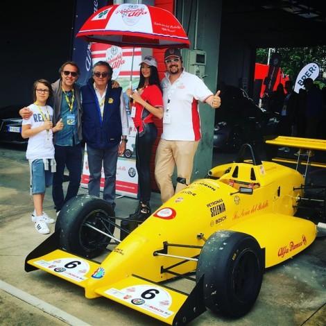 Imola, Historic Minardi Day 2018: Gian Carlo Minardi e l'ex pilota Ferrari Luca Badoer ai box del Portello con la Dallara F3 con cui Badoer vinse il Campionato Italiano.