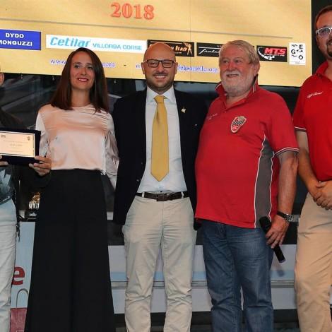 """Monza Fuori GP, """"Motorsport Passion"""", 1 September 2018: Martina Cambiaghi, Andrea Monti, Marco and Andrea Cajani give an award to Alex Caffi."""