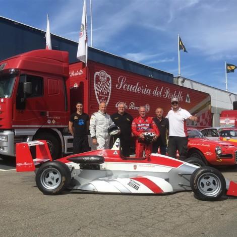 The crew Bicciato - Buonomo with the F3 Dallara Alfa Romeo.