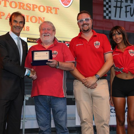 """Monza Fuori GP, """"Motorsport Passion"""", 1 September 2018: the Scuderia gives an award to Emanuele Pirro."""