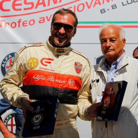 Cesana-Sestriere 2018: Piergiorgio Re, President of ACI Torino, gives the prize to Alessandro Morteo. Photo by: www.fotograficasestriere.com