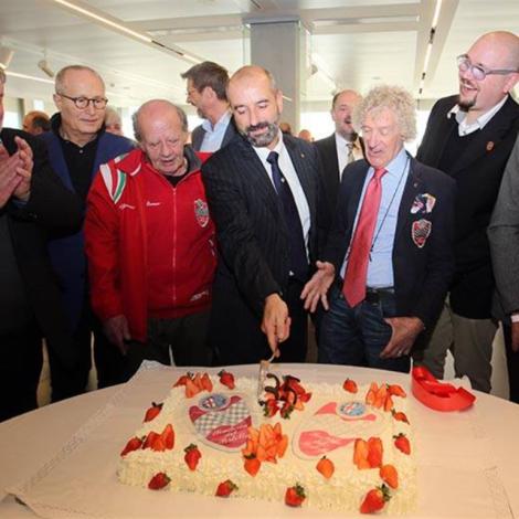 """Award Ceremony """"Alfa Romeo Champions"""", Arese, February 25th 2017: Arturo Merzario, Honorary President of the Scuderia del Portello, and Ivan Capelli, President of ACI Milano, cut the cake celebrating the Scuderia del Portello's 35th Anniversary"""