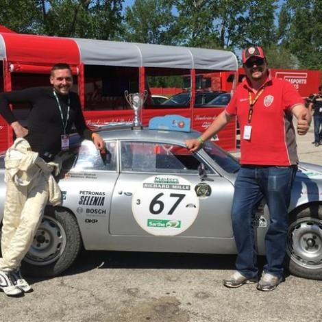 Motor Legend Festival 2018, Imola: il Team Manager Andrea Cajani consegna il trofeo Alfa Classic a Roberto Restelli, 2° di Classe con Christian Ondrak al FIA MASTER PRE-66 GT CARS con la Giulietta SZ.