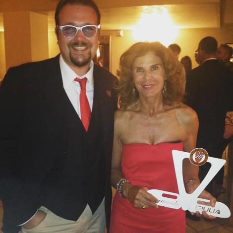 """Golf La Montecchia (Padua), Memorial Piero Taruffi """"la Volpe Argentata"""" - Andrea Cajani gives the 'Eternamente Giulia"""" trophy to Prisca Taruffi"""