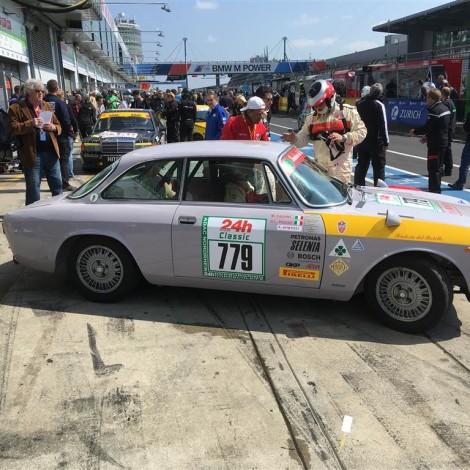 Nurburgring 24 Ore 2018: Sosta ai box per cambio pilota e rifornimento carburante.