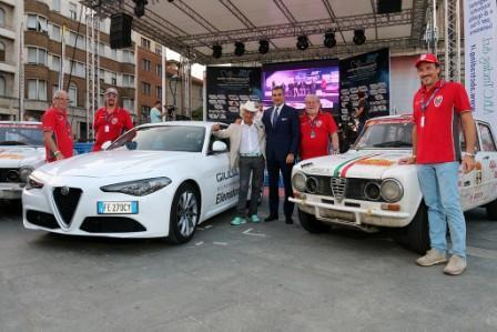 Monza, Premiazione Confartigianato Motori, Alessandro Morteo, Marco Cajani, Fabrizio Curci, Arturo Merzario, Andrea Cajani, Luigi Somaschini e le Alfa Romeo Giulia