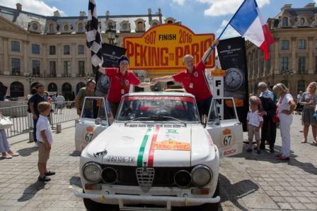 Peking to Paris 2016, Roberto Chiodi, Maria Rita Degli Esposti, finish line in Paris